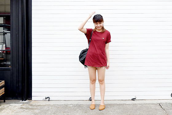 Avellia Augusta - World Of Haru Maroon Tee, The Editor's Market Sandals, Zara Backpack - Smile, you're more than blessed!