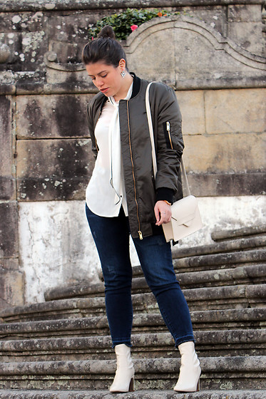 Joana Sá - Dresslily Earrings, Zara White Shirt, Zara Bomber, Mango White Bag, Zara Jeans, Zara White Boots - Basic