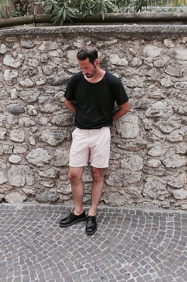 Sven B - Dr. Martens Shoes, H&M Shorts, Nudie Jeans Shirt - Martens Addict