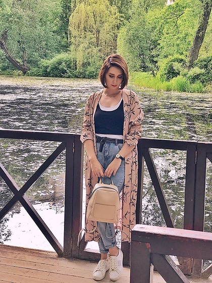 Yulia Egorova - Michael Kors ?, Zara Top, Pull & Bear ? - Look for  miracle garden ???
