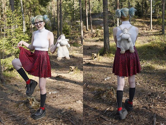 Lindwormmm - Black Milk Clothing Dragon Scale Skater Skirt, Striped Socks, Underground Glitter Platform Creepers, White Turtle Neck, Round Glasses, Sheep Backpack - Ahoy
