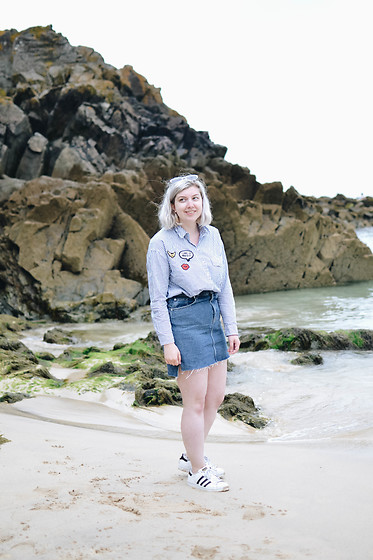 Elizabeth Claire - Pimkie Patch Shirt, H&M Denim Mini Skirt, Adidas Superstars - To the Beach