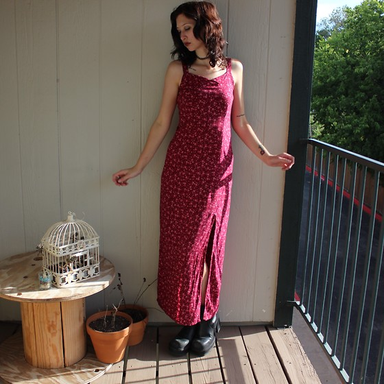 "Michelle Blue - Retro Floral Maxi Dress, Chunky Retro Boots - ""I'm An Addict For Dramatics"""