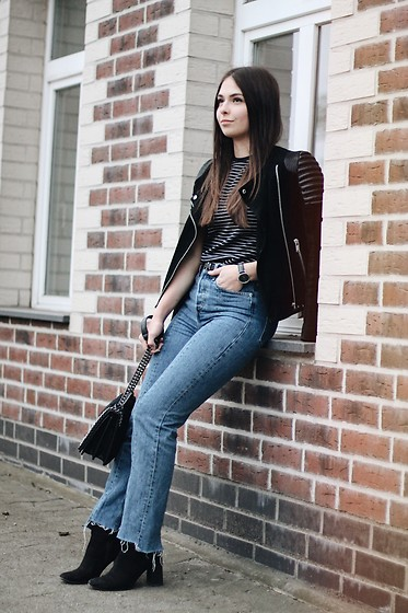 Jeany Roge -  - Casual in Black and Denim