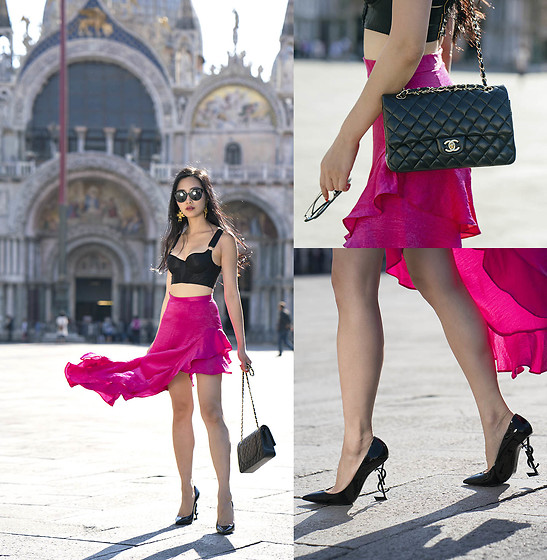 Tina Lee -  - Black & Pink in Venice, Italy