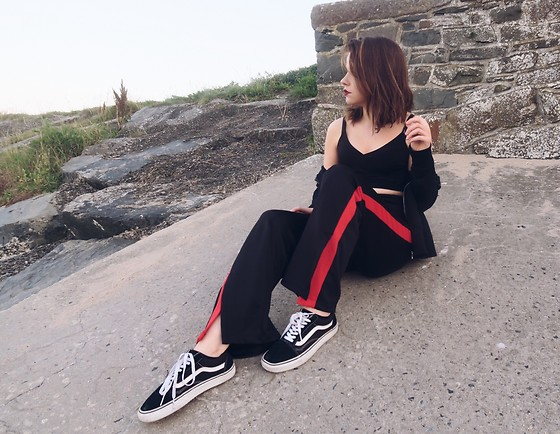 Natasha Hide - Bershka Flared Pants, Vans Sneakers - ?Pop of red?