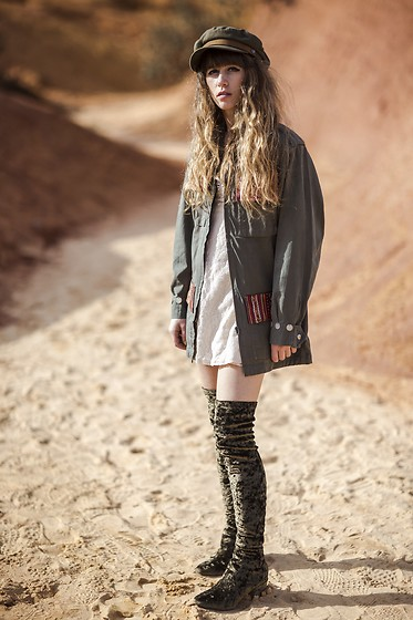 Alexe Bec - Doll Poupée Jacket, Over The Knee Boots, Brixton Cap, Free People Dress - All about army green