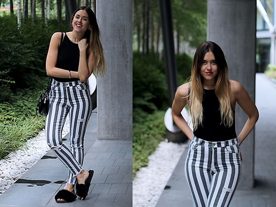 Amy Ramírez - Zara Pantalones, Topshop Sandals, Topshop Top - Stripes