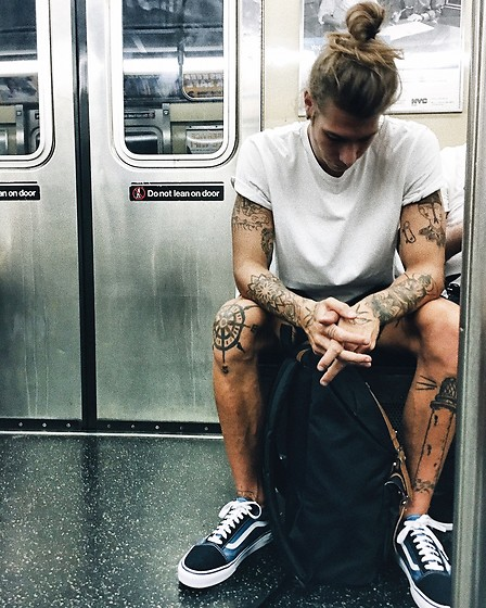 Richy Koll - Vans Sneakers, Herschel Backpack, Supreme T Shirt, Levi's® Shorts - New Yorker Subway. ?Broadway Lafayette