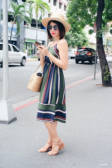 Cassey Cakes - Mango Wedge Sandals, H&M Hat - Stripey