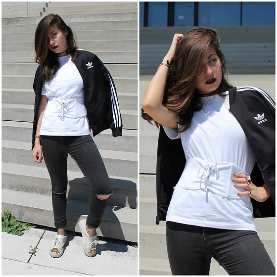 Elo' Cupcake - H&M Corset Top, Adidas Jacket, Puma Sneakers, H&M Fishnets - When Adidas met a corset