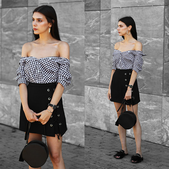 CLAUDIA Holynights - In The Style Gingham Shirt, Daniel Wellington Watch, Chic Wish Skirt, Vipshop Bag, Dropp Mules - Black and white gingham