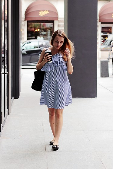 Marta S. - Romwe Off Shoulder Dress, Black Bag, Franco Sarto Black Shoes, Daniel Wellington Gold Watch - Street style • STRIPES