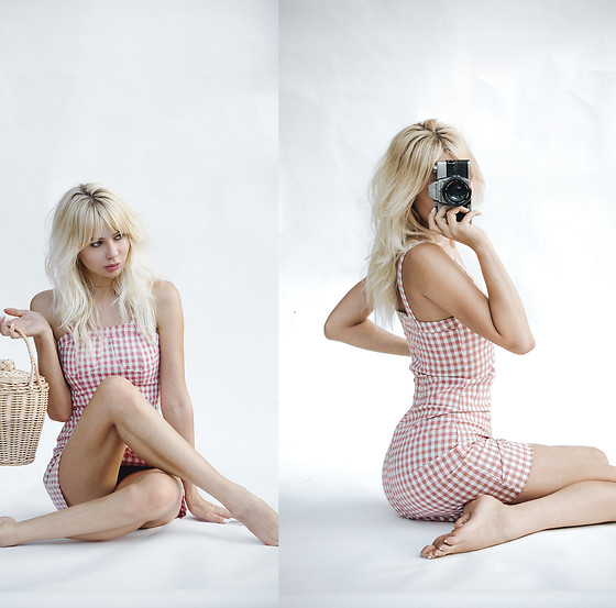 Sarah Loven - Urban Outfitters Basket Purse, Petite Studio Nyc Gingham Dress - Je Joue