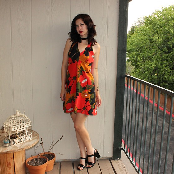 "Michelle Blue - Vintage Hawaiian Mini, H&M Sandals - ""Your Dream Vacation"""