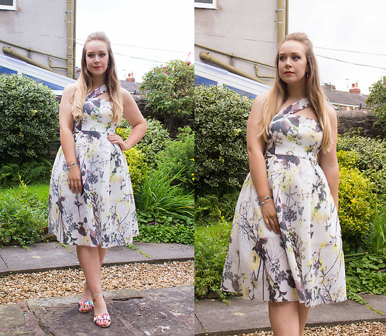 Emma Reay - Honeyz White Floral Dress - Wedding Guest