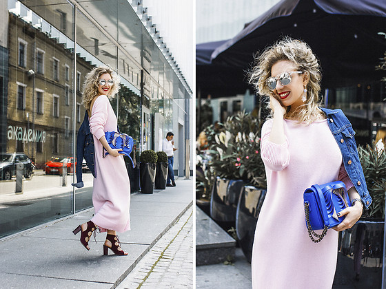 Margarita Maslova - Anna Golovina Angel Bag, Woollywoo Long Pink Dress, Stradivarius Denim Jacket - Cozy pink
