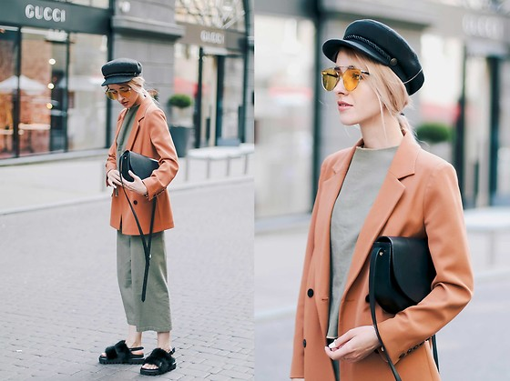 Anna Pogribnyak - Tijn Glasses, Lightinthebox Shoes, Vagabond Bag - Rusty & Khaki