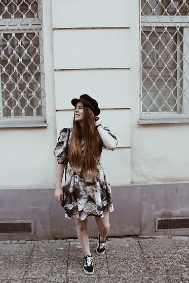 Elaine Hennings - H&M Dress, Vans Sneakers, Brixton Hat - A Day In Prague