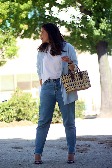 Joana Sá - Stradivarius Maxi Blazer, Stradivarius White Shirt, Daniel Wellington Watch, Ego Store Bag, Pull & Bear Mom Jeans, Stradivarius Velvet Sandals - Blue lover