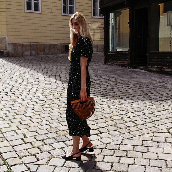 Eleonore Marie Stifter -  - LOOKBOOK EXCLUSIVE / Polka Dot and Cult Gaia