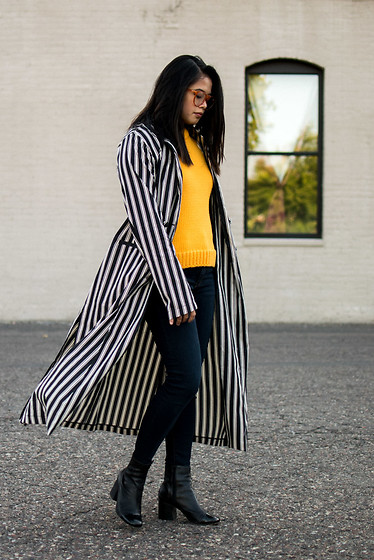 Olivia Corcoran - Eggie Tuxedo Blazer, Asos Black Ankle Boots, Zara Turtleneck Tank, Asos Orange Glasses - Long Striped Blazer