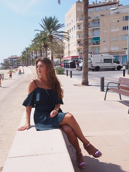 Paulina Bąk - New Look Dress - Port Mallorca