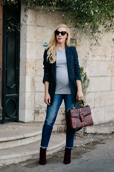 Meagan Brandon - Similar Blazer, Maternity Tee, Similar Jeans Under $50, Brahmin Gabriella Satchel, Stuart Weitzman Boots - The Must-Have Jacket for Fall 2017