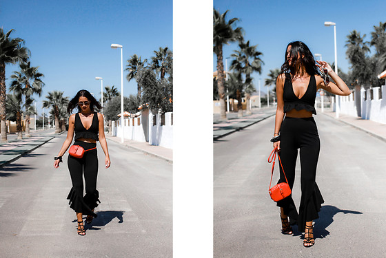 Maray - Wearall Top, Wearall Pants, Stradivarius Sandals, Pull & Bear Bag - Volantes Negros