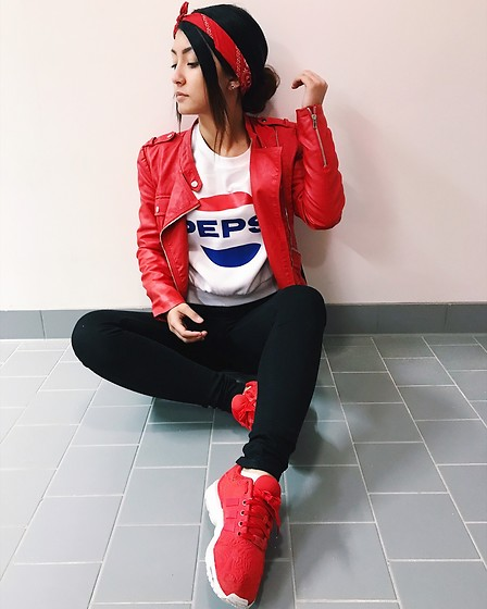 Jenny Drugge - Adidas Sneakers, Vero Moda Jacket, H&M Sweatshirts, Cubus Jeans - Red touch