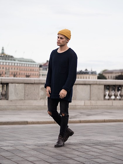Kevin Elezaj - Selected Homme Boots, Urban Outfitters Jeans, H&M Sweater, Topman Beanie - Stockholm city