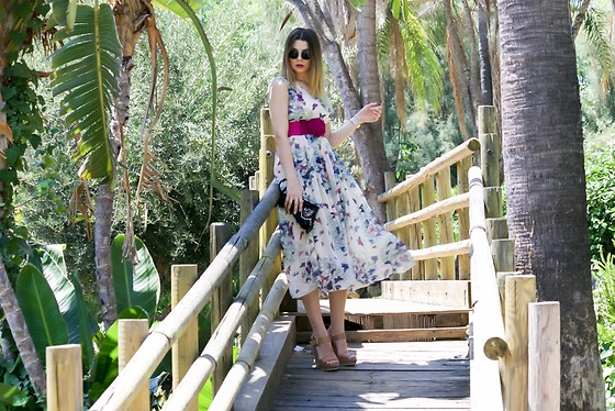 Cosmina M. //mbcos.net - Fashionmia Dress - Say goodbye to summer with Fashionmia floral dress