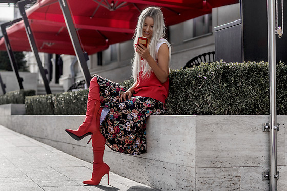 Krist Elle - High Waist Floral Midi Pleated Skirt, V Neck Graphic Pattern Sleeveless Knitwear, Red Over Knee Boots - Red overknee boots