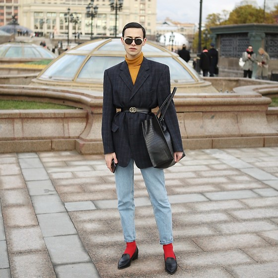Arthur Ayvazyan - Zara, Massimo Dutti, Gucci, H&M, Topshop, Lost Ink - Mercedes - Benz Fashion Week . Day 1