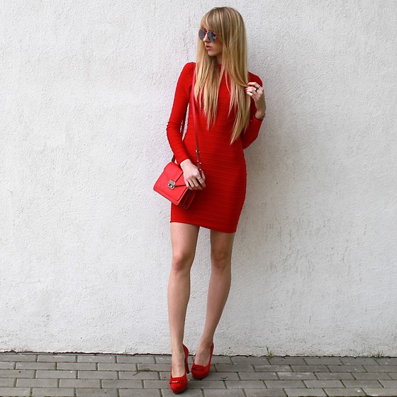 Diane Fashion - Missguided Red Dress - Red total look - mini dress