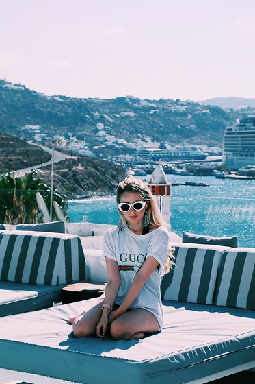Joicy Muniz - Sunglasses, Gucci T Shirt - Greek days