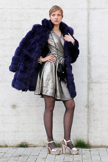 Sabine K - Missguided Fake Fur Jacket, Vero Moda Gold Dress, Deichmann Platforms - Don't talk to me