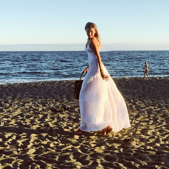 Giuliana ♡ - Antica Sartoria White Maxi, Louis Vuitton Lv Bag - The ocean is more than a dream ?