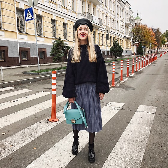 Anna Pogribnyak - Na Kd Sweater, Na Kd Skirt, Furla Bag - October days