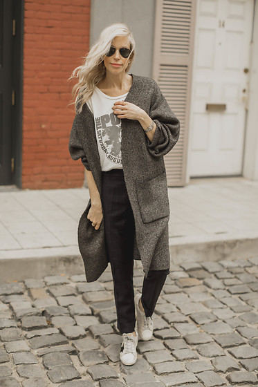 Yael Steren -  - How to Style your Dress Pants Casually