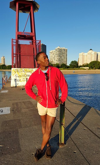 Thomas G - Old Navy Zip Up Hoodie, Choker, Old Navy Khaki Shorts, Skechers On The Go, Kathy Osterman Beach: Edgewater Illinois, Sunglasses, Website: Heart Of The Midwest - Today I choose life....