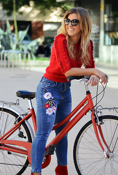 Mara M - Romwe Embroidered Jeans - Bicycle love