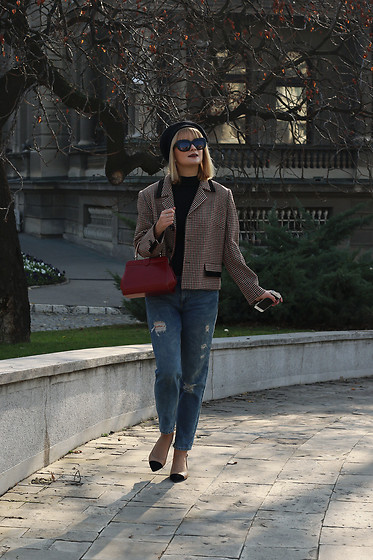 Ana Vukosavljevic - Vintage Blazer, Pull & Bear Jeans, Shoes Of Prey, Vintage Bag, Vintage Sunglasses, New Yorker Beret - How To Rock Grandma's Closet Like A Pro?