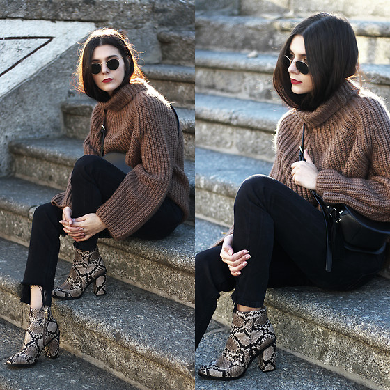 CLAUDIA Holynights - Vipshop Coffee Sweater, New Look Snake Print Boots - Cozy sweater and snake print boots