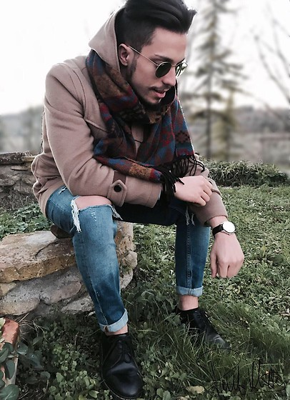 Matteo Peretti - Zara Coat, Zara Blue Jeans, Dr. Martens Black, Festina Watch, Ray Ban Sun Glasses, Zara Neckerchief - Zara 4ever