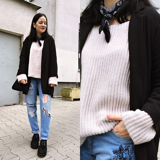 Natalia Pawlik - New Look Sweater, Medicine Jeans, Second Hand Creepers, F&F Jacket, Topshop Bandana - PALE PINK