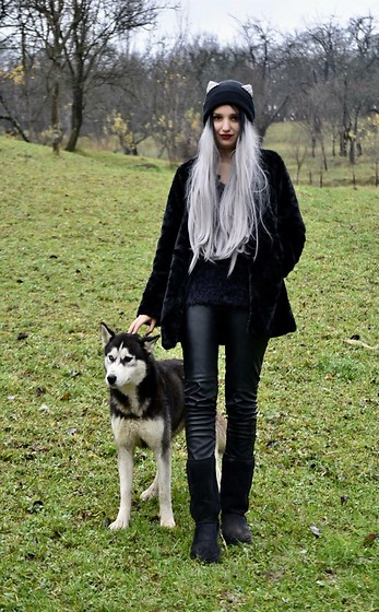 Raluca M - Ugg Boots, Sinsay Cat Ears Hat, Stradivarius Black Faux Fur Coat, Zara Leather Jeans, Bershka Fluffy Sweater, Eva Hair Grey - All black ootd (husky)