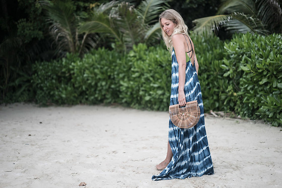 Stryle TZ -  - BATIK-DRESS ON KOH PHI PHI