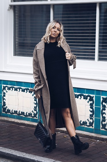Joanne Christina Lewis - Deichmann Biker Boots, River Island Check Coat - THE BIGGEST A/W SHOE TREND