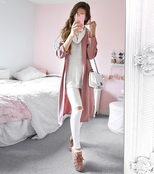 Tia Mcintosh -  - New winter ootd